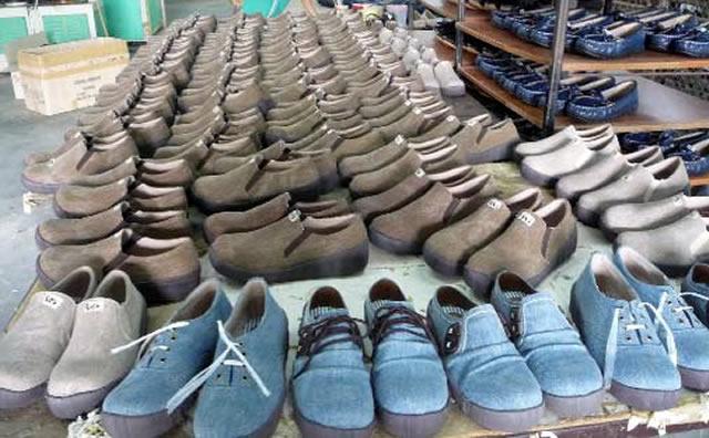 OEM生産でも自社工場でお客様の好みに合わせて細分化を実現|婦人靴メーカー 大阪マルニ