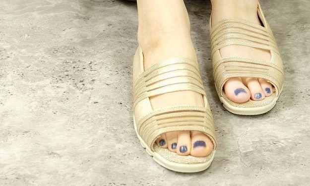 素足で痛くない、履きやすい、柔らかいサンダル|婦人靴メーカー 大阪マルニ